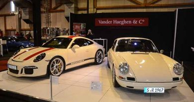 2016 Porsche 911R and 1967 Porsche 911R at the