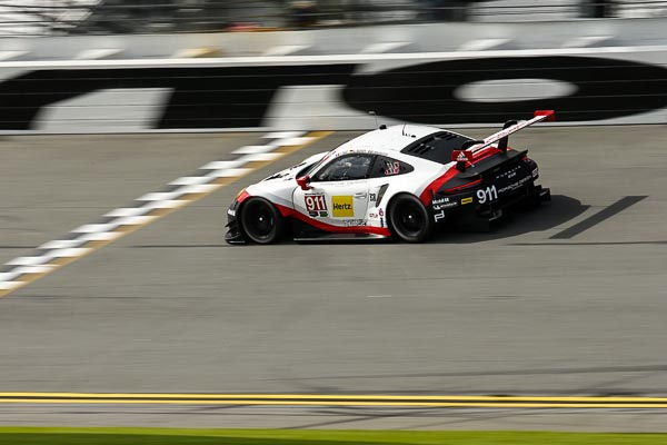 Strong Porsche contingent at anniversary race in Florida