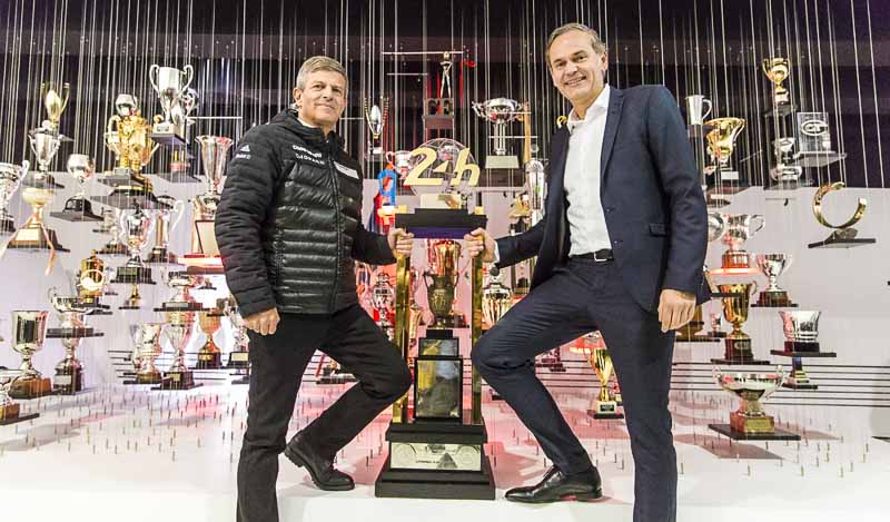 (l.-.r) Fritz Enzinger: Vice President LMP1 and Oliver Blume: Chairman of the Executive Board at Porsche