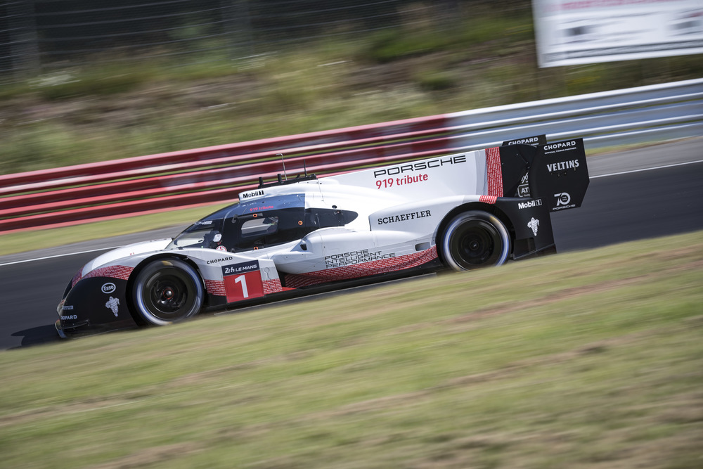 Porsche LMP Team- Nordschleife record of Timo Bernhard and the Porsche 919 Hybrid Evo 5