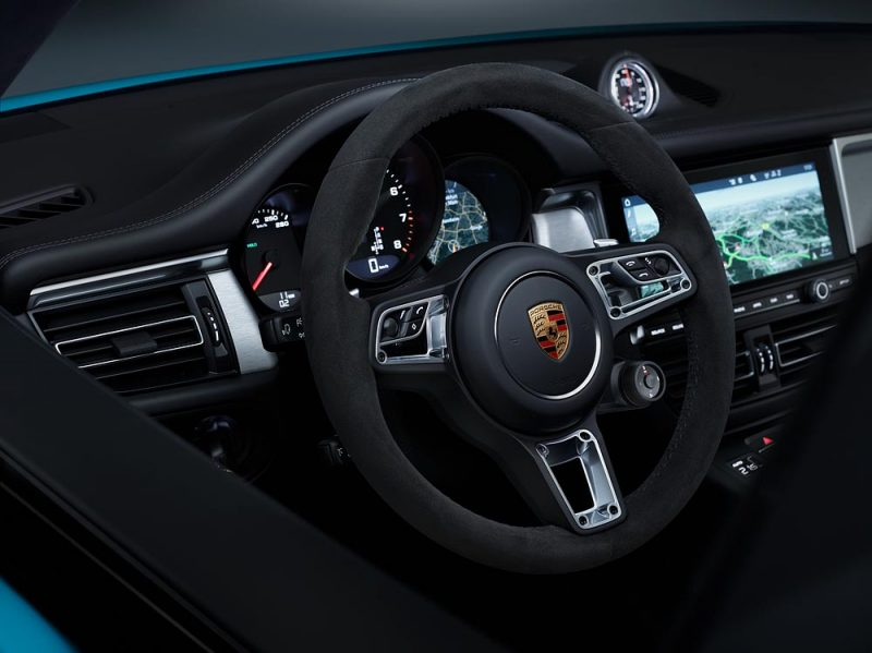 the new porsche macan interior and steering wheel