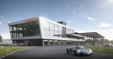 Porsche Experience Center Hockenheimring- The three-storey building with excellent view of the tracks