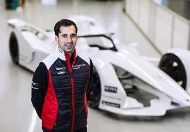 Neel Jani switching to the cockpit of a Porsche Formula E car
