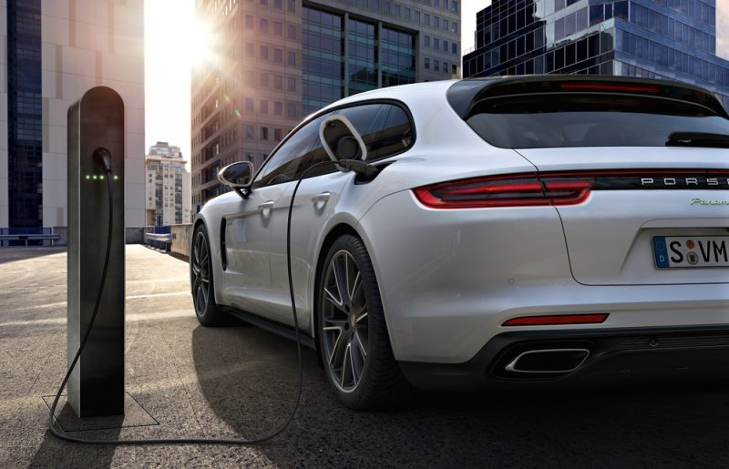 62af56dad0 Strong demand for the Porsche Panamera with hybrid drive