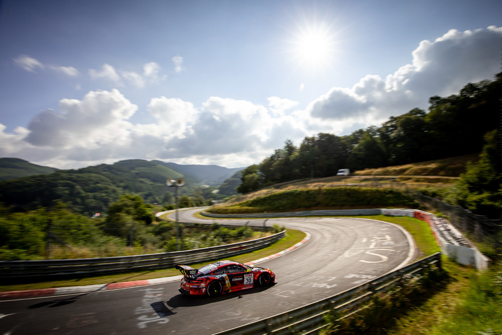 Preview to the 2020 Nürburgring 24 Hours and a last-minute driver line-up change for Porsche