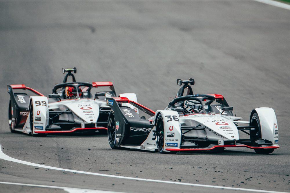 The 2021 season of the Formula E season takes off with 2 night races in Diriyah (Saudi Arabia)