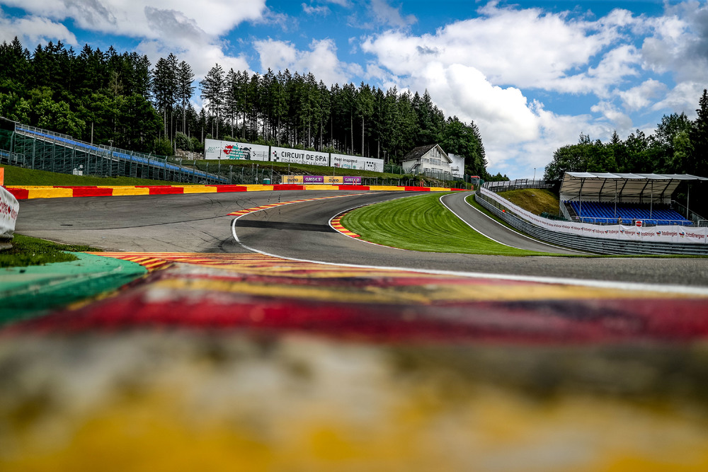 Best placed Porsche 911 GT3 R (GPX Racing) in Super Pole of Spa 24H starts in 9th position