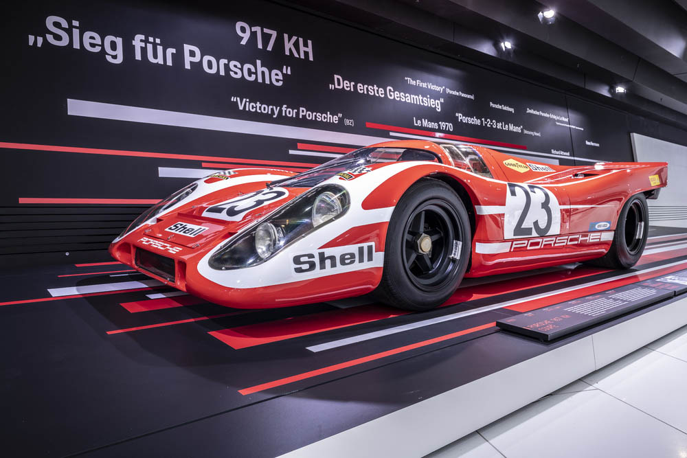 Driving the 917 KH with starting number 23, Hans Herrmann and Richard Attwood achieve the first overall victory for Porsche at the 24 hours of Le Mans.