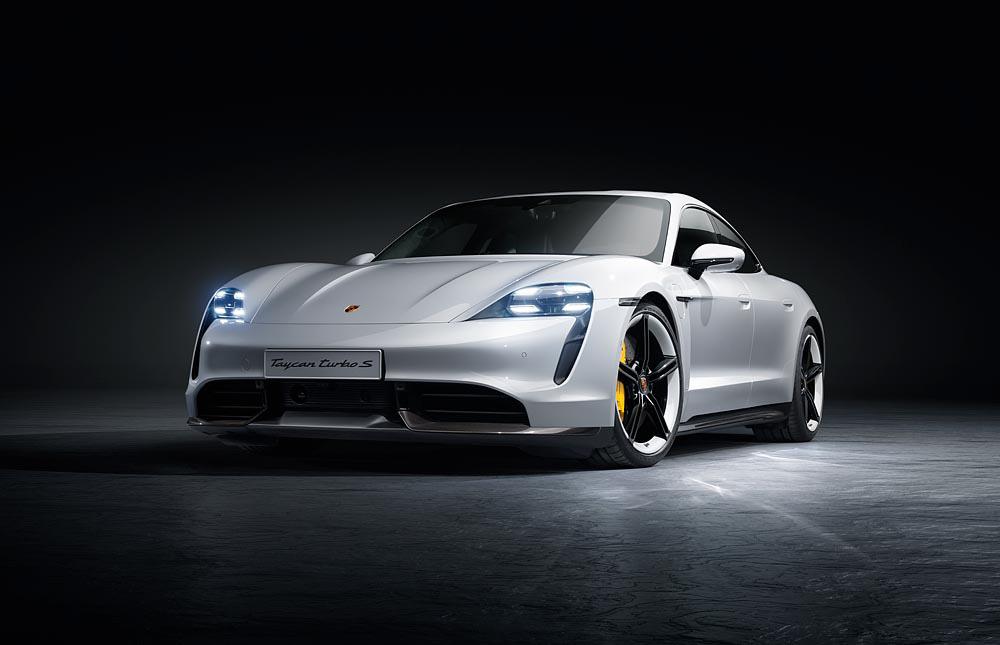 8-Porsche-Taycan-Turbo-S