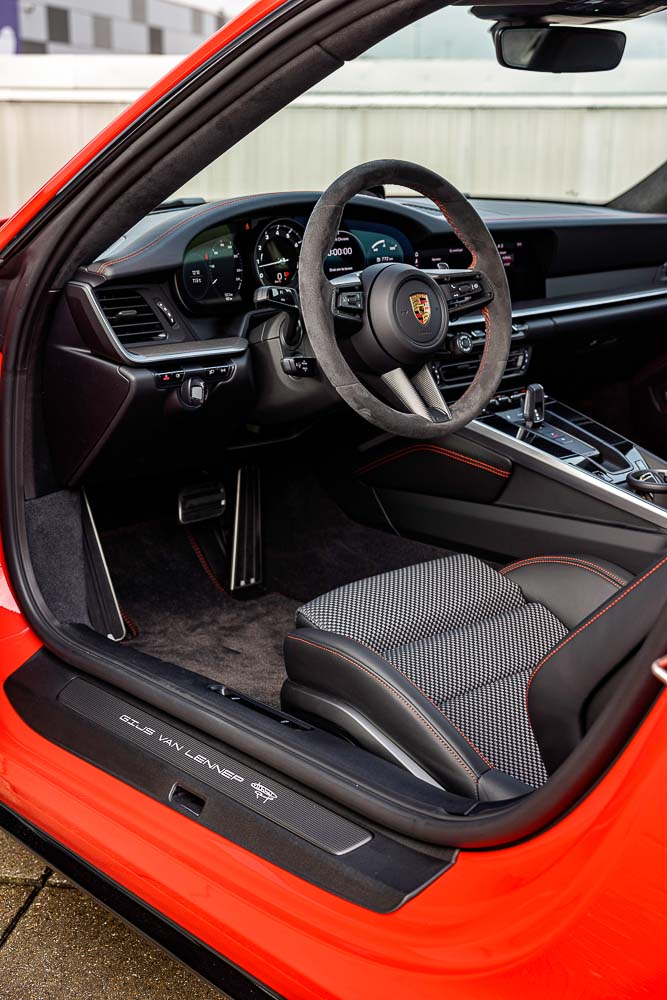 Unique-Porsche-911-Carrera-S-Gijs-van-Lennep-version-7
