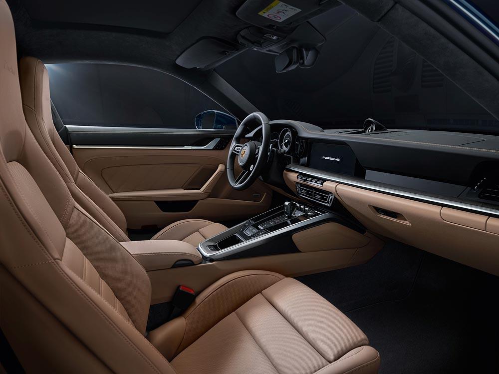 Interior-new-Porsche-911-Turbo-2