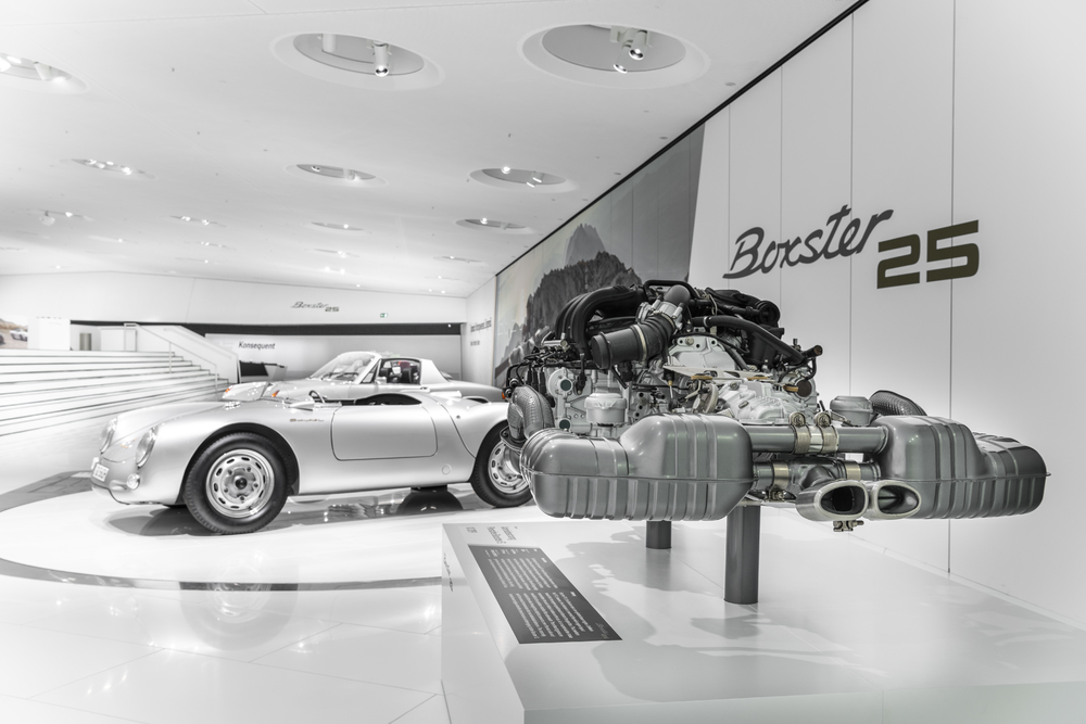 Small-exhibits-provide-insight-into-the-technology-of-the-mid-engine.