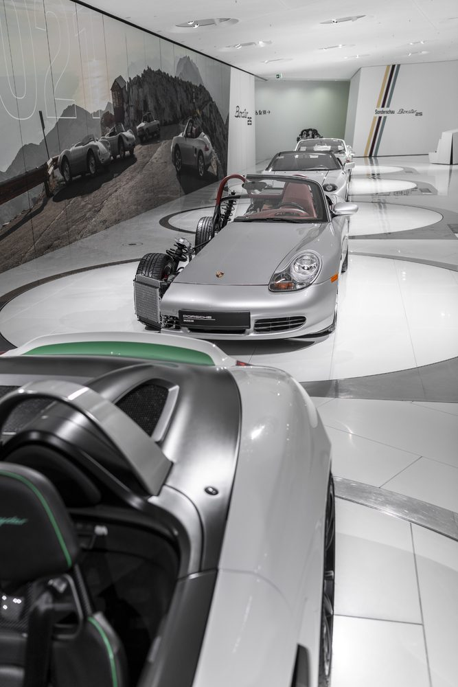 The digital tour provides deep insights, such as under the body of the first generation Boxster.
