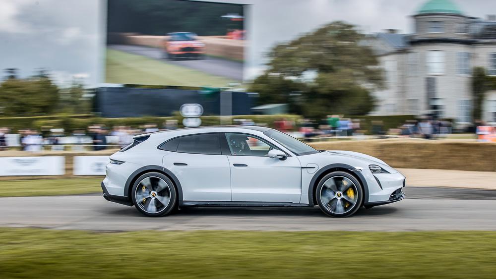 2021-Goodwood-FOS-Porsche-Taycan-Cross-Turismo-Turbo-S-10
