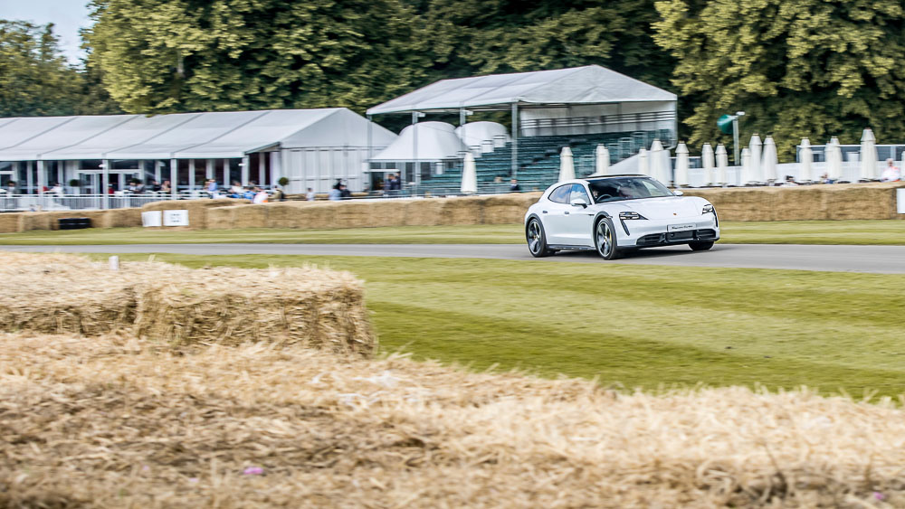 2021-Goodwood-FOS-Porsche-Taycan-Cross-Turismo-Turbo-S-11