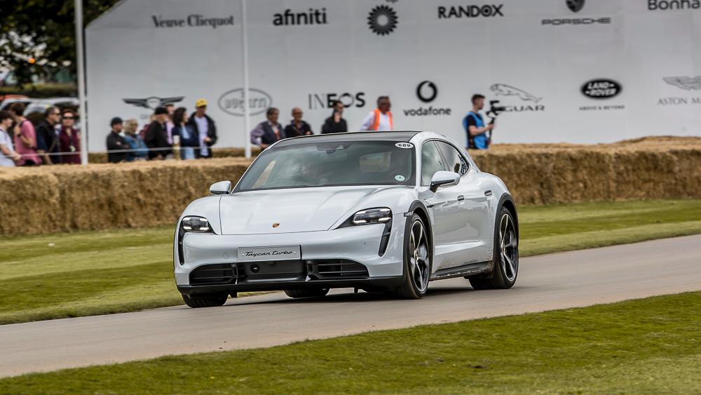 2021-Goodwood-FOS-Porsche-Taycan-Cross-Turismo-Turbo-S-9