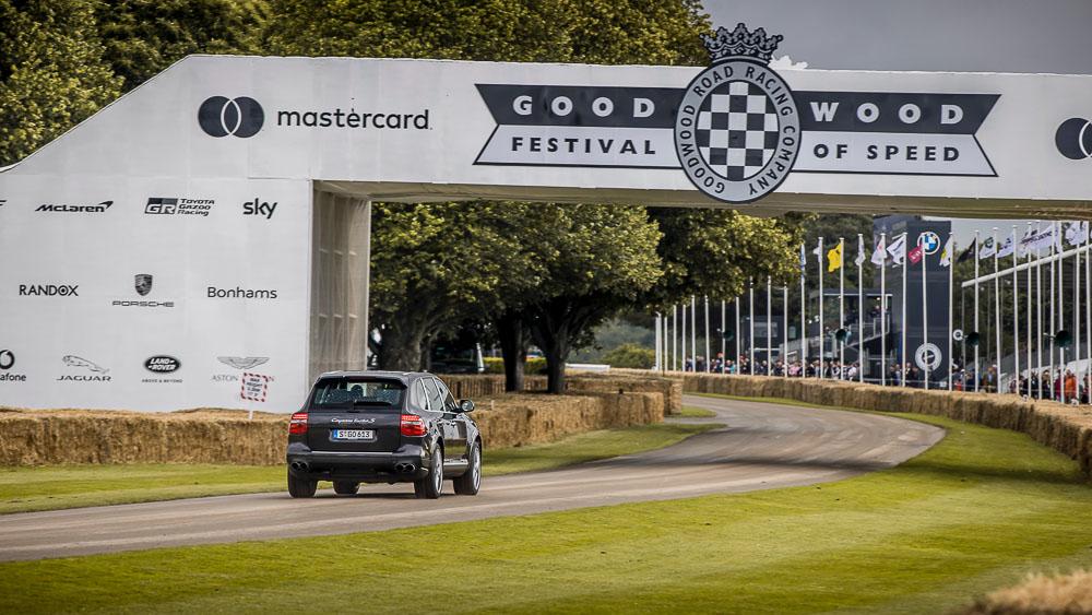 2021-Goodwood-FOS-Porsche-Cayenne-Turbo-S-20