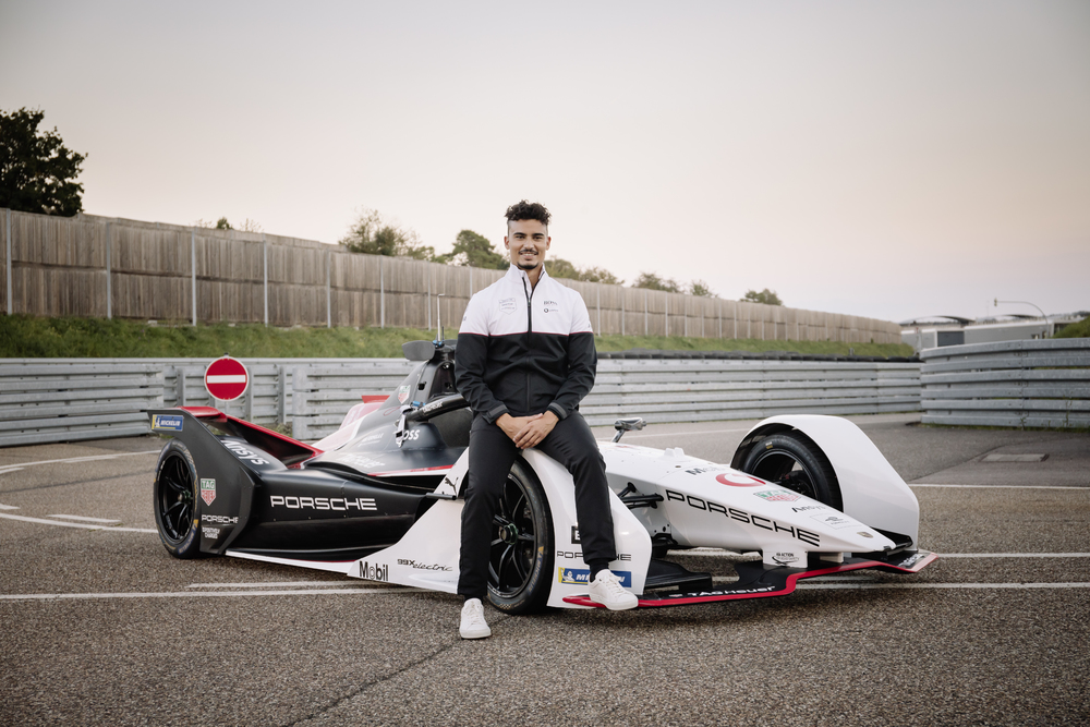 Pascal-Wehrlein-talked-about-the-challenges-of-driving-an-electric-formula-car.