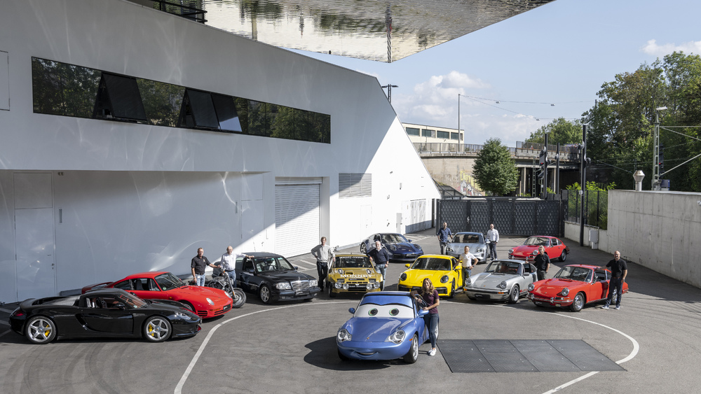 The-experts-and-vehicles-that-presented-themselves-live-from-the-Porsche-Museum-at-the-first-digital-sound-night.