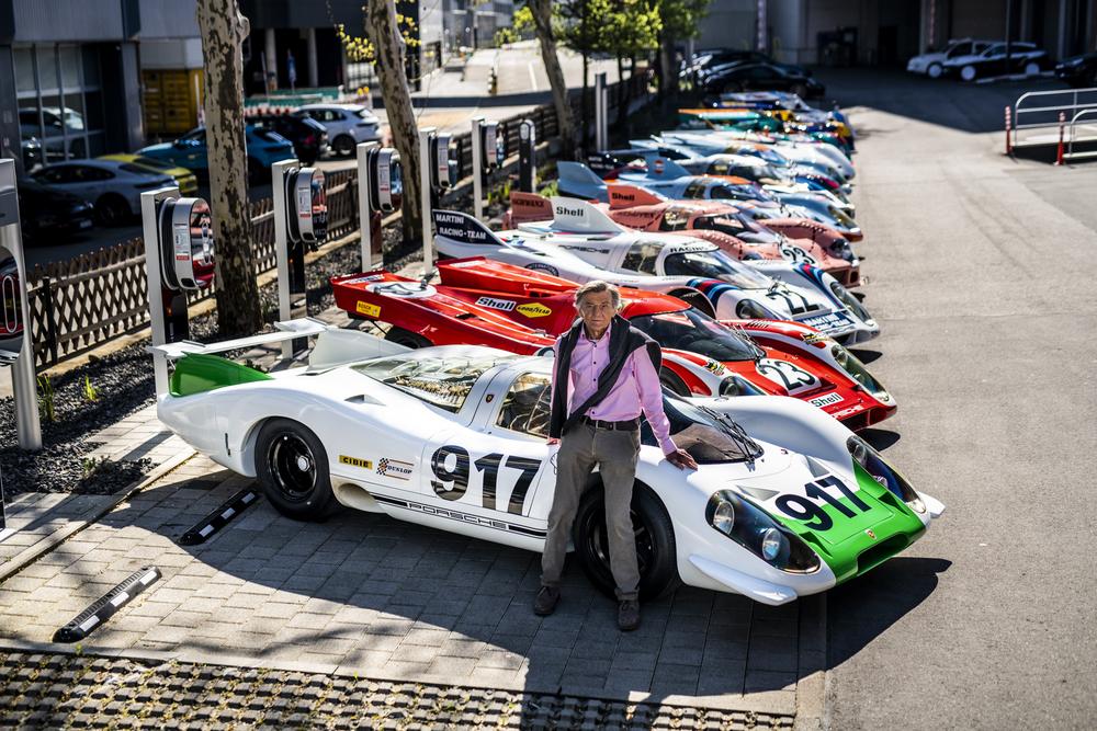 Hans-Mezger-in-front-of-917-legends