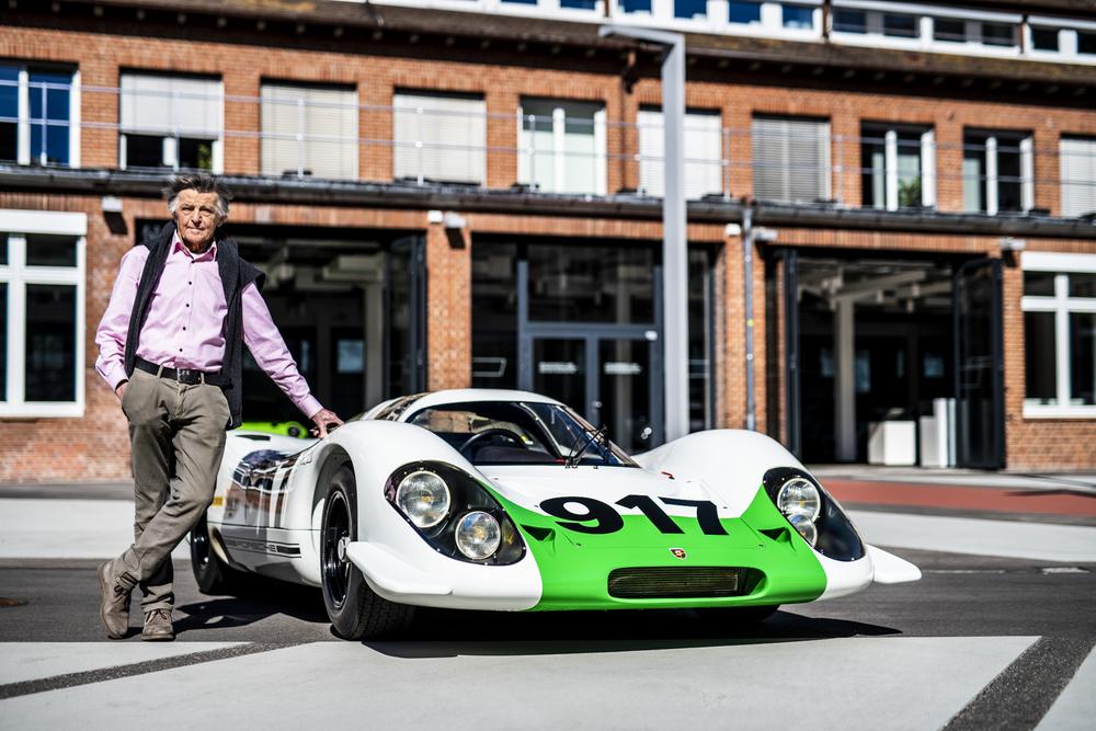 Hans-Mezger-next-to-the-917-001-2019
