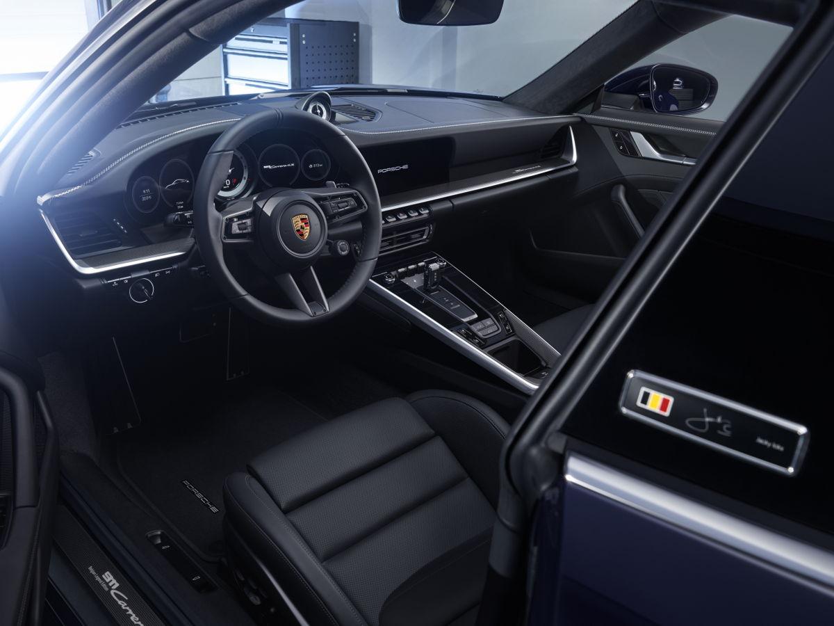 Porsche-911-Carrera-4S-Belgian-Legend-Edition-4