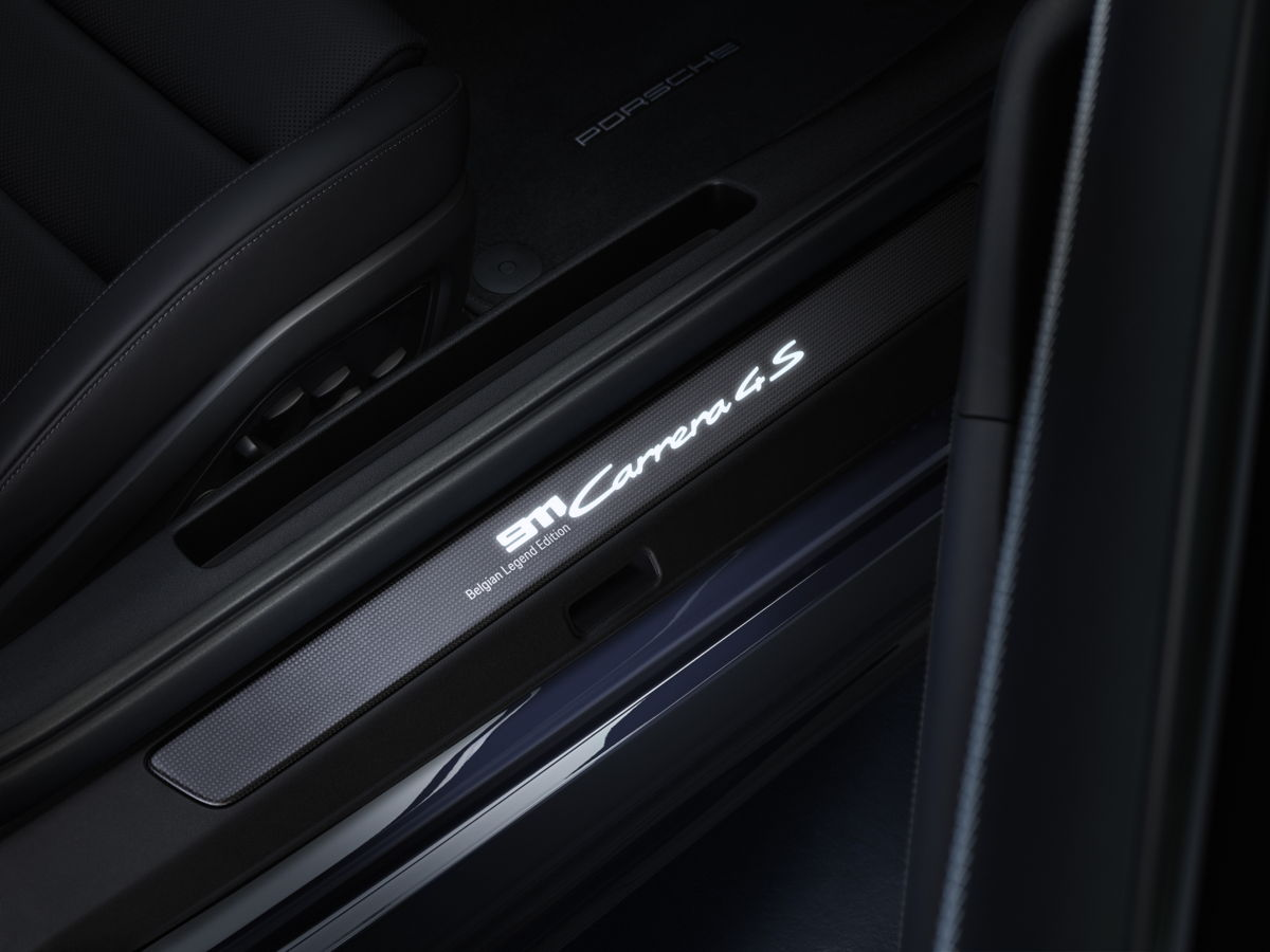 Porsche-911-Carrera-4S-Belgian-Legend-Edition-7