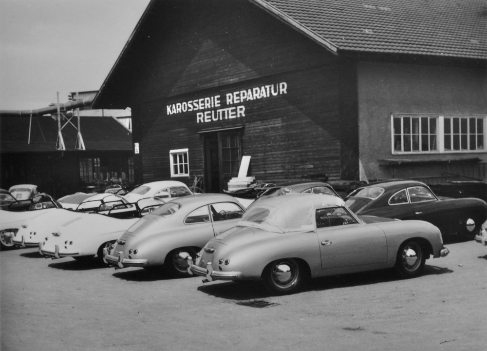 Part of the Reutter company on the current site of Plant 2, front: 356 Cabriolet, behind it 356 Coupé, behind it 356 Speedster (all Mj. 1955).