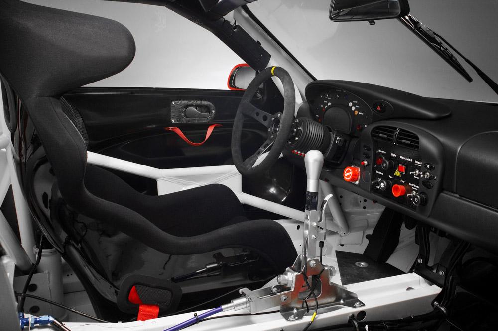 2004 Porsche-steering-wheels-2004-Porsche-911-GT3-RSR