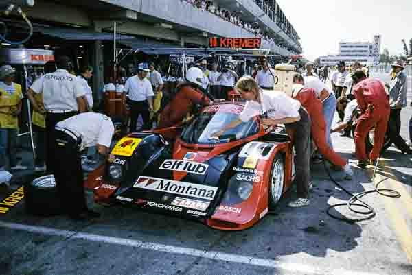 07.10.1990-Porsche-962-C-Bernd-Schneider-Tomas-Lopez-480-kilometre-race-of-Mexico-City_20.jpg